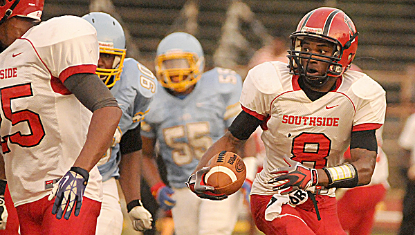 Southside and Selma will kickoff their 2014 football season's at Memorial Stadium Friday night. The Panthers have not defeated the Saints since 2004.  Selma won last season's meeting 34-8.--File Photo