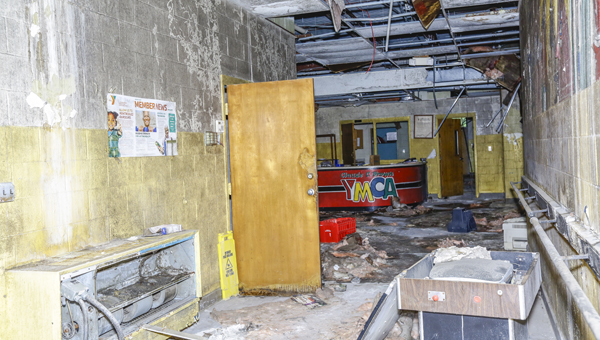 A Selma nonprofit would like to renovate and reopen what used to be the Brown YMCA. The Circle of Love has pledged to put a new roof on the facility prior to a deed transfer.